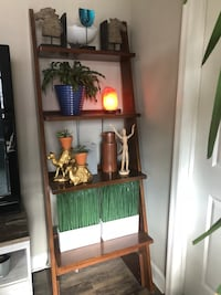 brown wooden 4-layer leaning shelf Baltimore, 21202