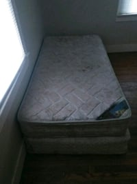 Twin size matress and box springs Memphis
