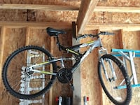 Excellent condition mountain bike barely used!