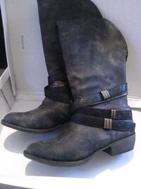 pair of black leather boots Richland, 39218