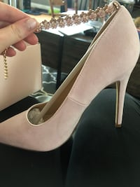 Pale Pink Heels size 9.5 run small Swansea, 02777