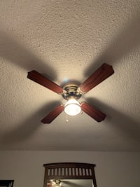 Ceiling fan excellent condition  Mississauga, L5B
