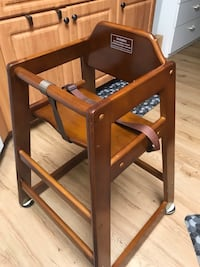 RESTAURANT STYLE HIGH CHAIR. SOLID WOOD. MADE WELL.... Spring Hill, 34608