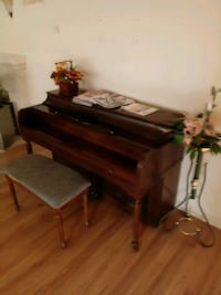 Upright Piano and Stool Citrus Heights, 95610