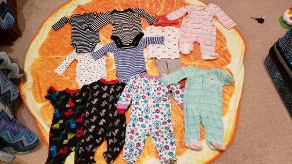 Baby girl 0-3 months clothes- free