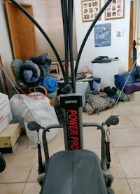 Hardly used Bowflex Power Pro with leg attachment for full body workou