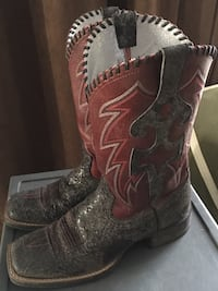 Women's Ariat square toed boots size 7.5