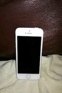 white iPhone 5 with case Whittier, 90603
