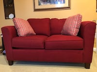 Red fabric 2-seat sofa Herndon, 20171