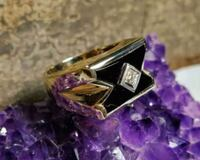 10k solid yellow gold & onyx ring  Winnipeg, R2V 0L5