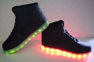Bolt LED Light Up High top Shoes Size 6 Mens