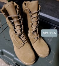 Army boots size 11.5