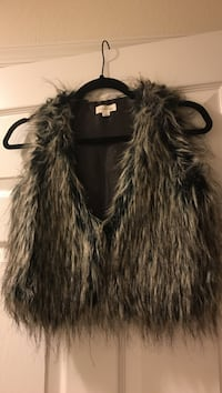 brown and black fur vest Quantico, 22134