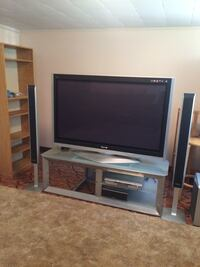 Plasma TV and stand  Laval, H7G 3Z4