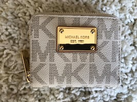 Cream & Gold Michael Kors Logo Wallet