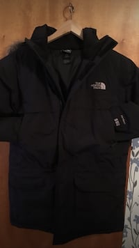 svart The North Face jacka storlek S