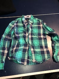 American Eagle men's flannel shirt- size Small- wore once Piscataway, 08854