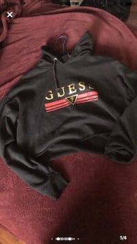 Guess cropped hoodie Toronto, M9V 4T4