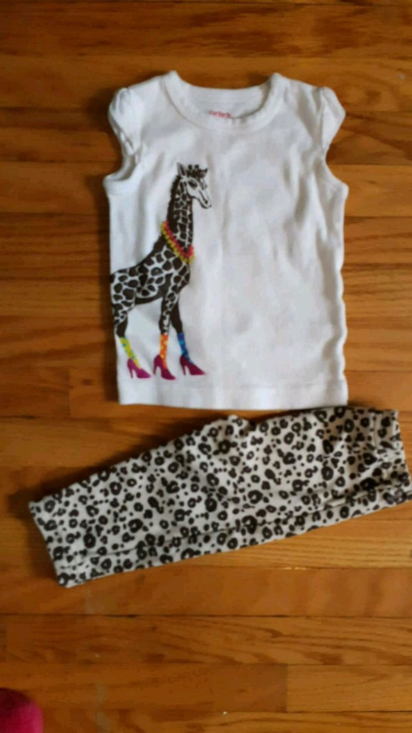 Carters outfit size 6 months
