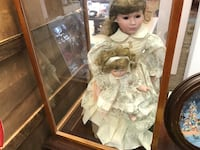brown haired girl porcelain doll Port Colborne, L3K 3Z4