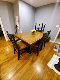 Dining room table West Boylston, 01583