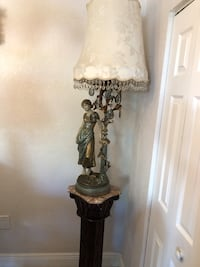 brown and white table lamp Hialeah, 33014