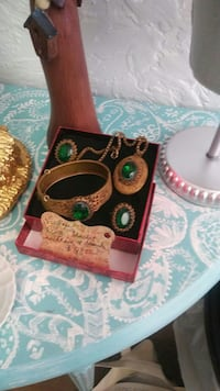 Vintage Jewlery at Serendipity Downtown