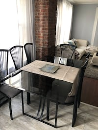 Dining table Waterbury