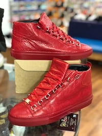 Red leather balenciaga arenas size 8 Silver Spring, 20902