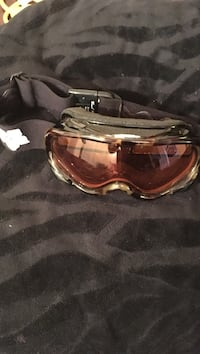 black and brown snow goggles Central Okanagan, V4T 1T6
