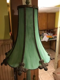 Antique lamp stain glass green with middle glass table  207 mi