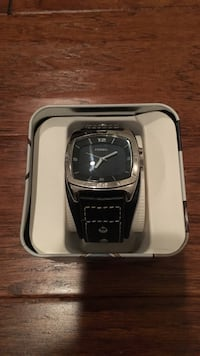 Black strap fossil analog watch in box Calera, 35040