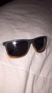 black framed Ray-Ban wayfarer sunglasses Regina, S4T