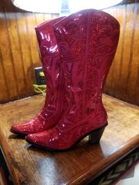 Red cowgirl boots, never been worn! Size 8 Frederick, 21704