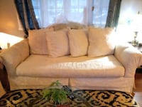 Couch n love seat Appleton, 54915