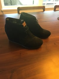 Toms Suede Wedge Boots size 7 women's Langley, V2Y 1P3