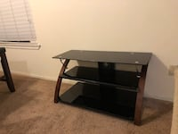 Tv stand  Bakersfield, 93306