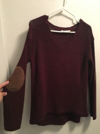 Woman's burgundy knit sweater  Toronto, M5V 3V8