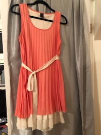 Pink dress with cream lining/tie, loosely medium New Haven