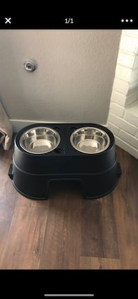 Elevated dog feeder  Ripon, 95366
