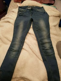 blue denim straight cut jeans Toronto, M1B 3H6