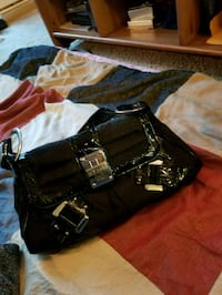 Guess purse black too small for me  Abbotsford, V2S 1K8