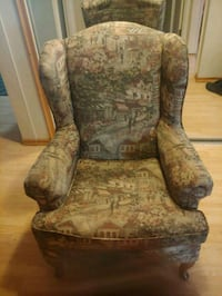 Reading chair Surrey, V3S 5M8