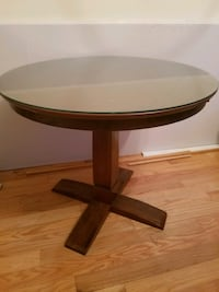 Small dining table  Parkville, 21234