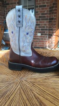 Price is FIRM; Women's Ariat boots; size 7.5; baby blue; very good condition