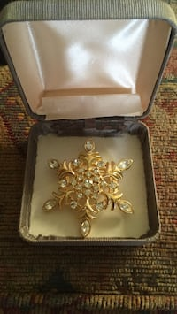 gold plated Brooch with diamonds San Antonio, 78214