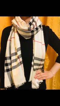 Burberry scarf in beige check  3153 km