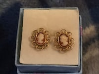 Gold cameo earrings Glen Burnie, 21061