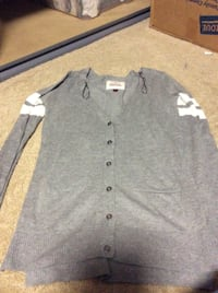 JUST REDUCED MORE  women grey  cardigan size x small  Rockville