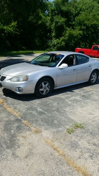 Pontiac - Grand Prix - 2004 Machesney Park, 61115